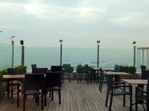 El Hotel President y su Terraza restaurante con vistas